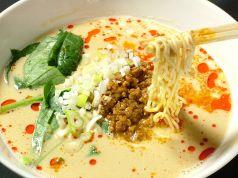 ランチで人気の白ゴマ坦々麺